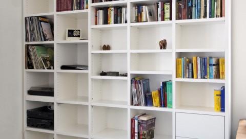 Bücherregal gefertigt von Florian Oeschger